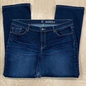 NY & CO Women's Boot Cut Blue Jeans Size 18A